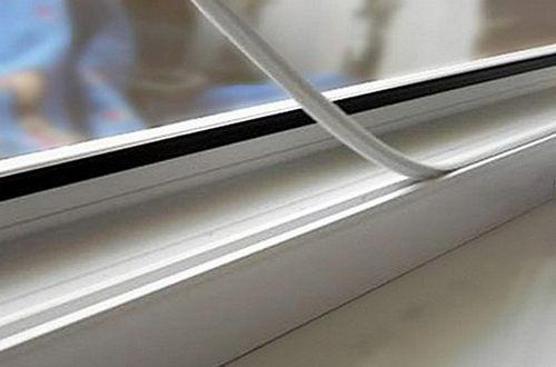 Заглушка паза штапика пластикового окна